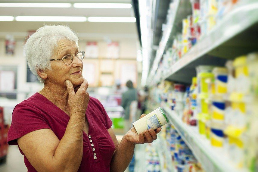 Senior-woman-at-groceries-store
