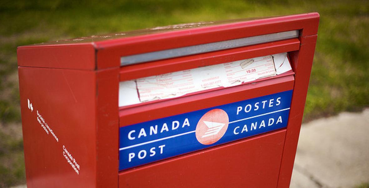 canada-post-mailbox